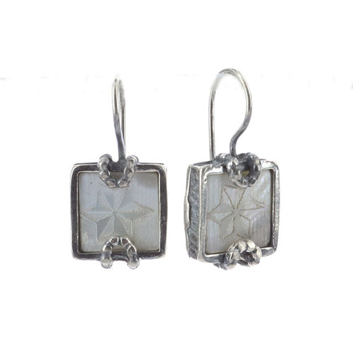 Earrings E 19A18 A